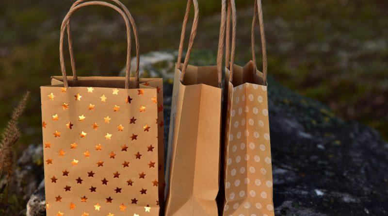 Entreprises, pourquoi intégrer le sac papier personnalisé à votre stratégie de marketing ?
